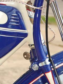 1941SchwinnDeluxeDR09.jpg